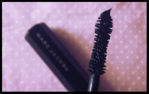 mascara_velvet noir_marc Jacob_joly-beauty.com