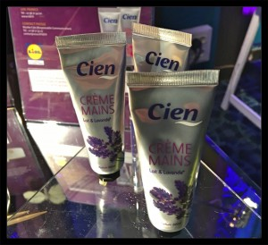 cien-creme-mains_joly-beauty.com