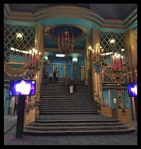 salle-folies-bergere_joly-beauty.com