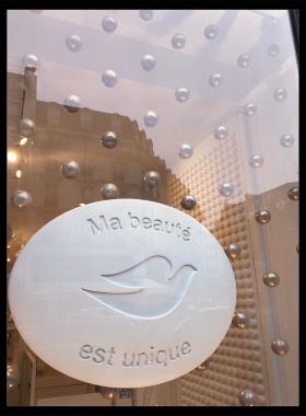 """<font size=""""6"""">DOVE</font> ouvre sa première boutique éphémère à PARIS"""
